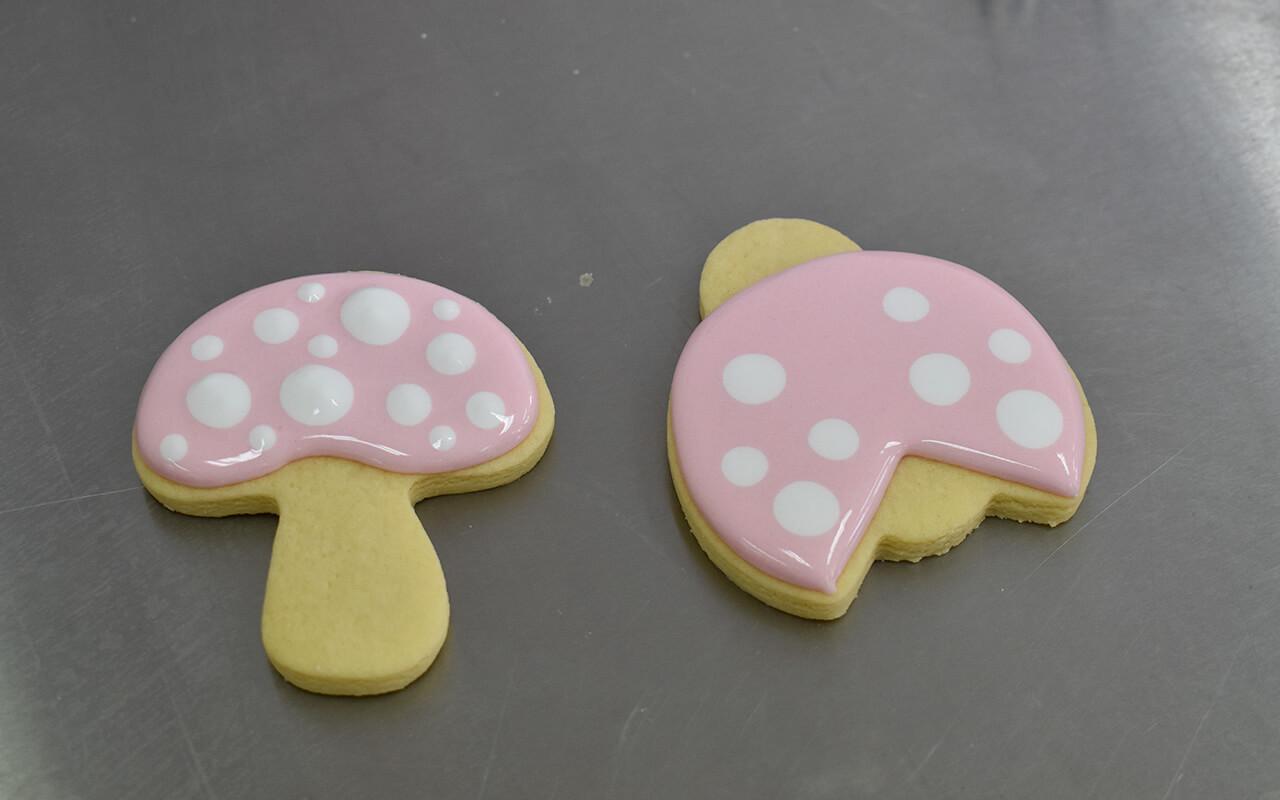 lesterlost-handmade-decorated-cookies-miss-biscuit-wet-on-wet-mushroom-ladybird (1)