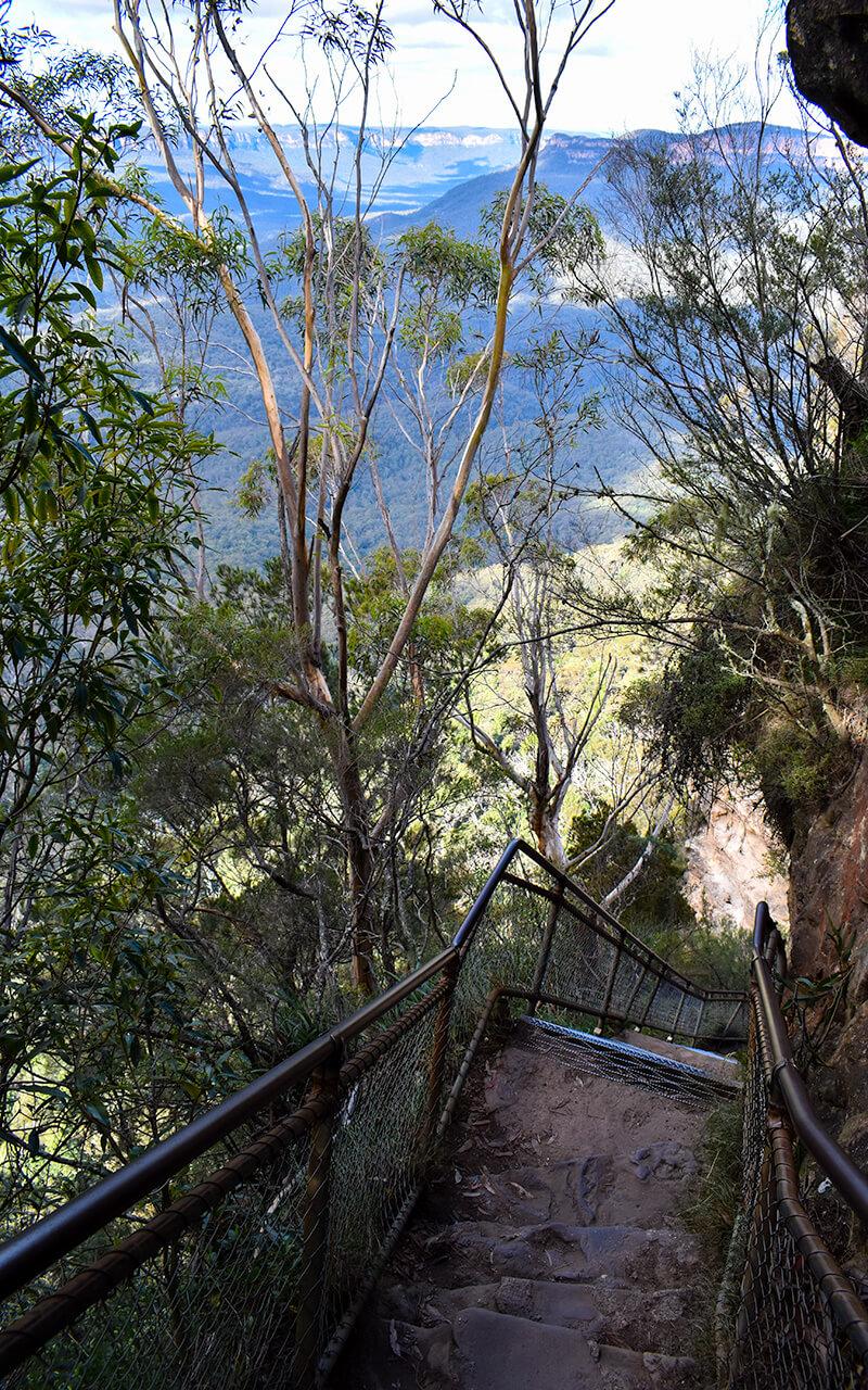 lesterlost-travel-australia-nsw-blue-mountains-giant-stairwell