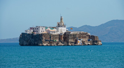 lesterlost-travel-morocco-controversial-spanish-islands-penon-alhucemas-up-close-thierry-mignon