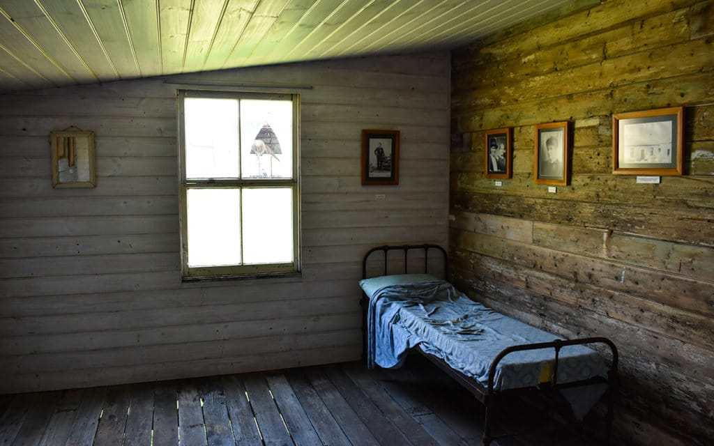 McBrides Hut has a very basic bedroom